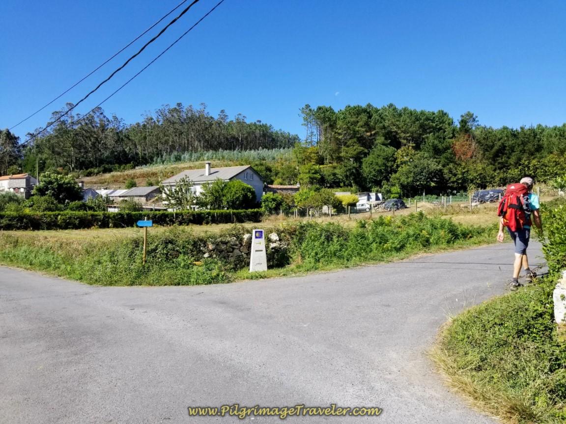 Right Turn at 4.3 Kilometer Waymark