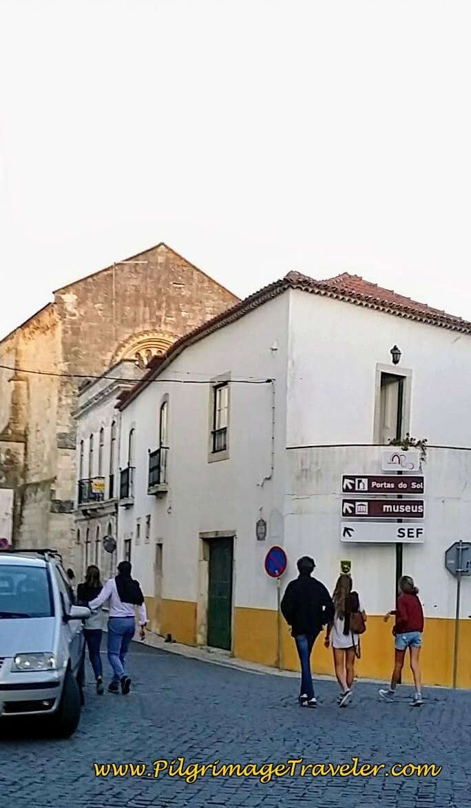 Signposts on the Rua de São Martinho