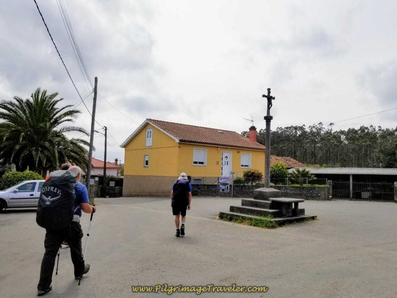 Cruceiro in the Center of Santa Mariña