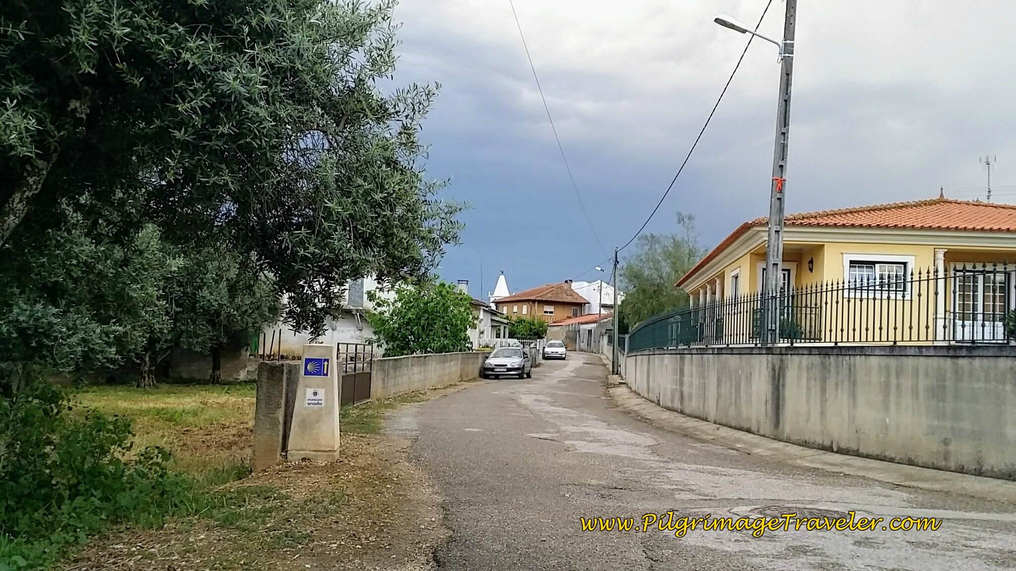 Entering the town of Alpalhão in the Municipality of Anadia on the Portuguese Way