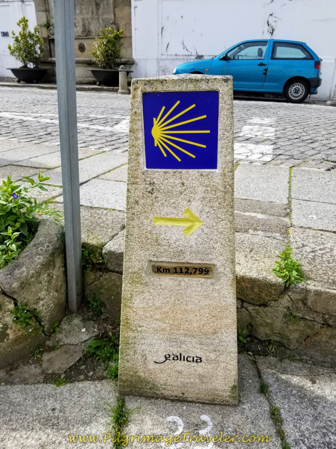 Right Turn onto the Rúa Real at 112.799 Kilometer Marker on day one of the Camino Inglés
