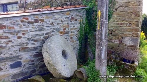 Historic Grindstone, Camino Inglés
