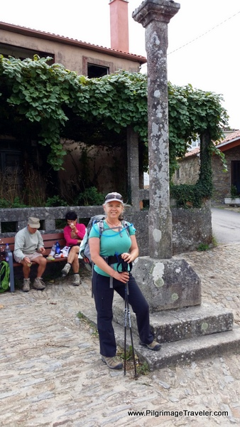 Elle by Cruceiro in Boente, Spain on the Camino Frances