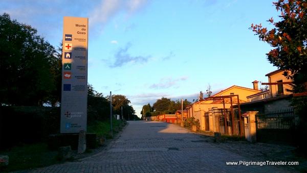 Signpost to Monte do Gozo, Camino Frances