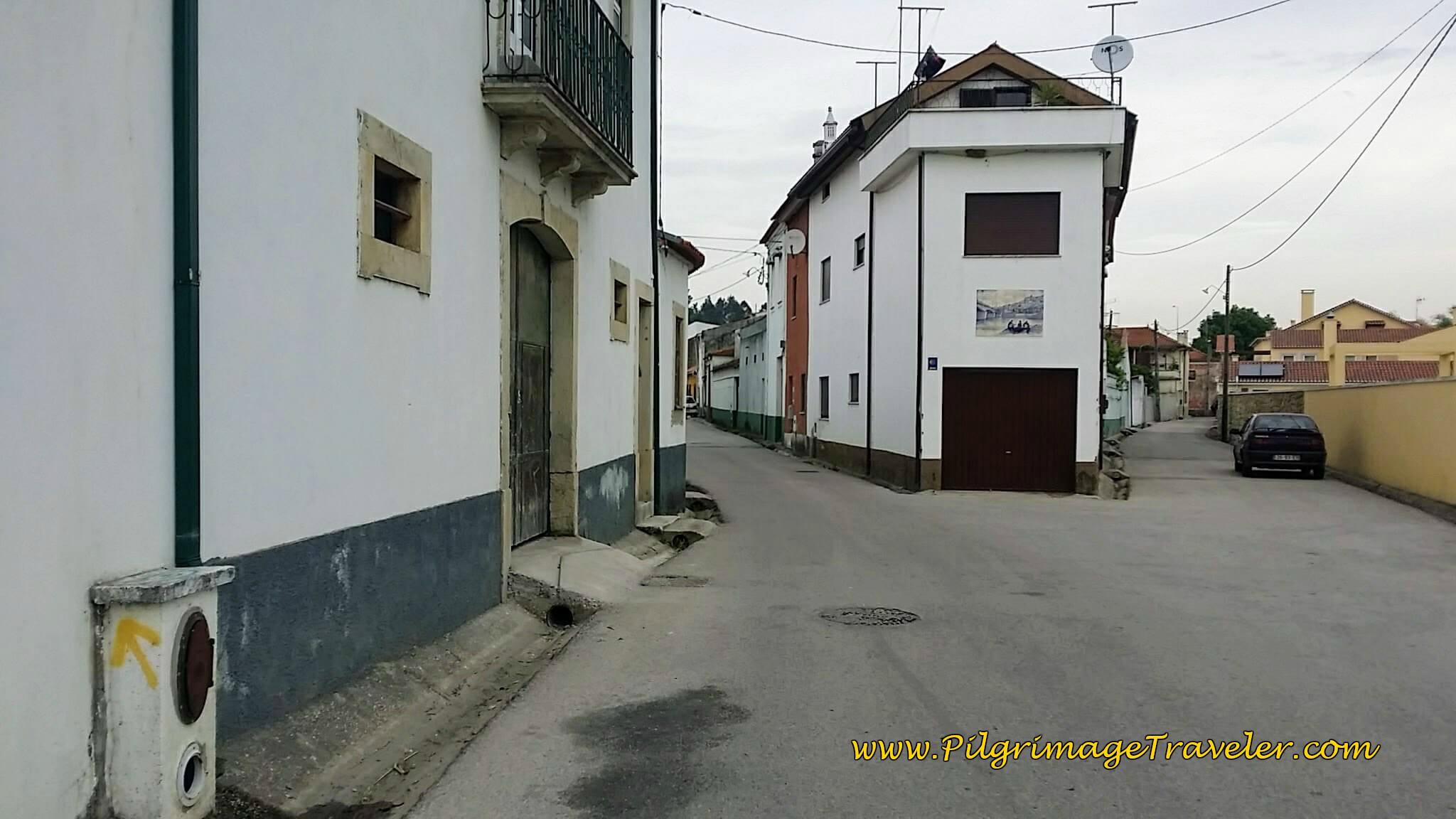 Turn Left Here onto the Rua Nossa Senhora da Esperança in Fornos, Portugal