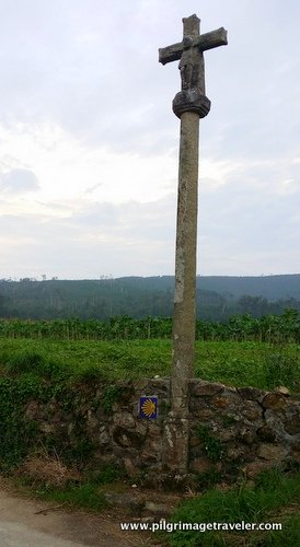 Cruceiro and a Waymark on the Camino from Finisterre to Muxía