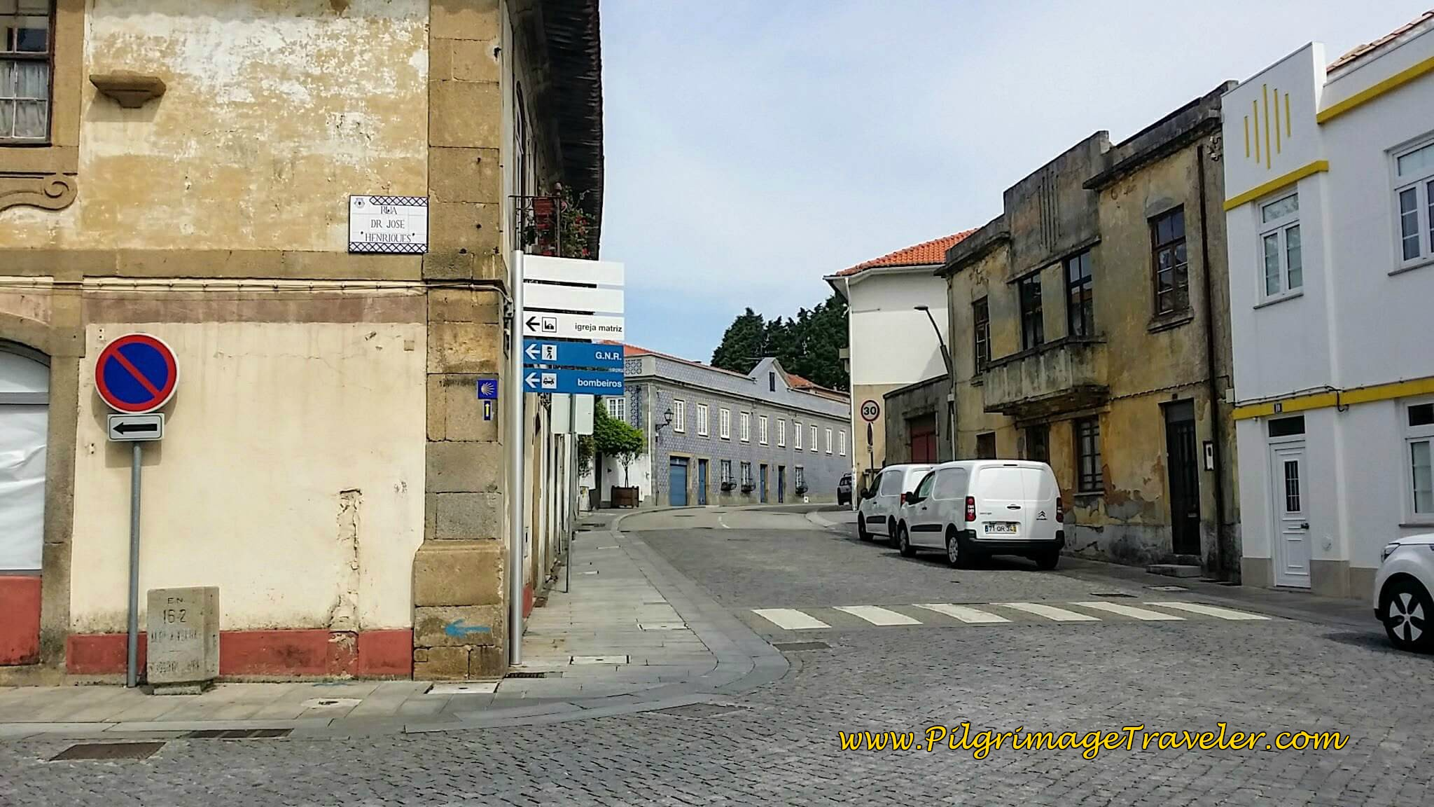 Straight on from the Rua Hospital on day twelve of the Camino Portugués