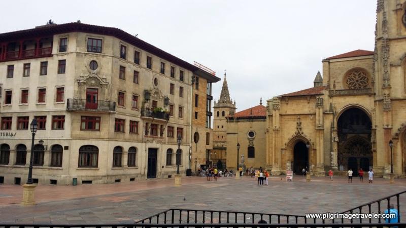Plaza de Alfonso II, el Casto, Oviedo, Spain